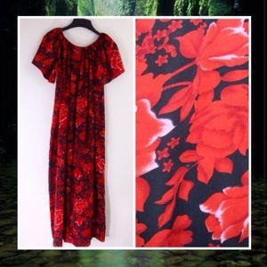Hawaiian 🌺 Red And Black Silky MuuMuu Maxi Dress